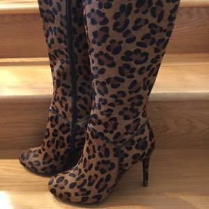 Colin Stuart Leopard Calf Hair Boots NEW Size 9